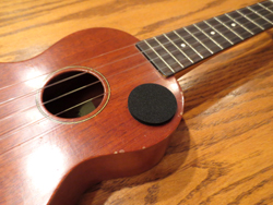 Tap Point Sticker protects your ukulele from tapping play.